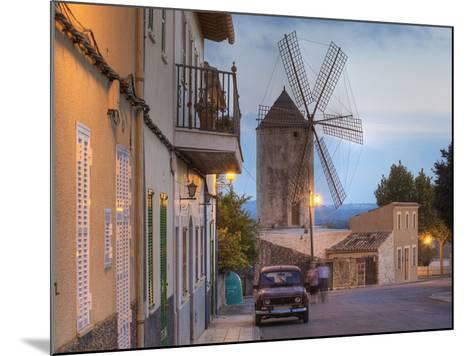 Spanien, Balearen, Insel Mallorca, Llubi, H-Userreihe, M-Hle, Auto-Klaus Siepmann-Mounted Photographic Print
