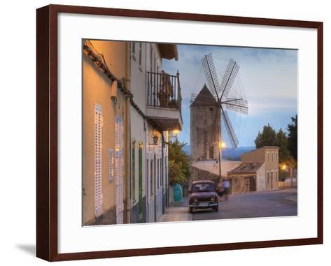 Spanien, Balearen, Insel Mallorca, Llubi, H-Userreihe, M-Hle, Auto-Klaus Siepmann-Framed Art Print