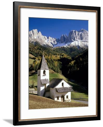 Italien, Sv¼dtirol, Villnv?VŸtal, St. Cyprian, Geislerspitzen, AuvŸen, Berglandschaft-Thonig-Framed Art Print