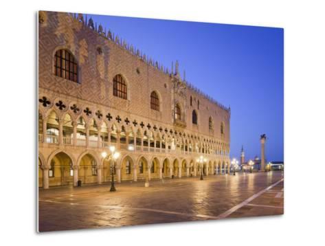 Italy, Veneto, Venice, St. Mark's Square, Doge's Palace, Lighting, Dusk-Rainer Mirau-Metal Print