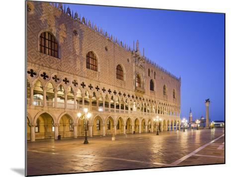 Italy, Veneto, Venice, St. Mark's Square, Doge's Palace, Lighting, Dusk-Rainer Mirau-Mounted Photographic Print