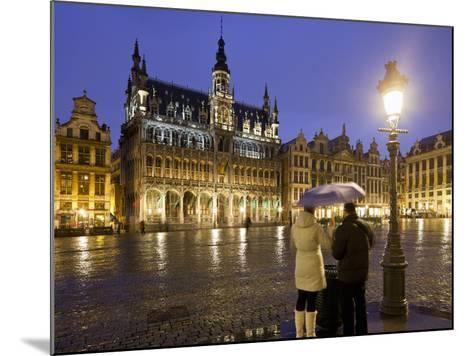 Belgium, Brussels, Grand-Place, Grote Market, Couple, Evening-Rainer Mirau-Mounted Photographic Print