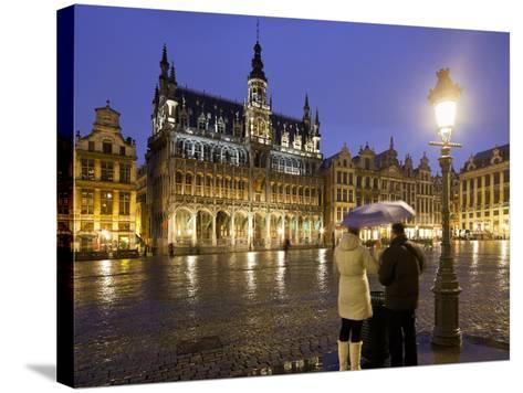 Belgium, Brussels, Grand-Place, Grote Market, Couple, Evening-Rainer Mirau-Stretched Canvas Print