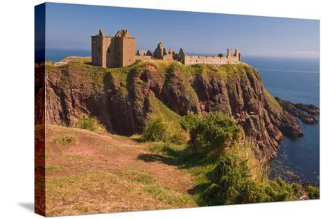Scotland, Dunnottar Castle-Thomas Ebelt-Stretched Canvas Print