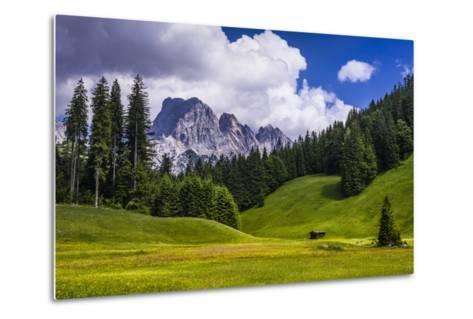 Austria, Salzburg Country, Wei?bach with Lofer-Udo Siebig-Metal Print