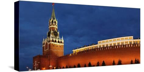 Moscow, Panorama, Kremlin, Erlšserturm (Saviour's Tower), Illuminated, in the Evening-Catharina Lux-Stretched Canvas Print