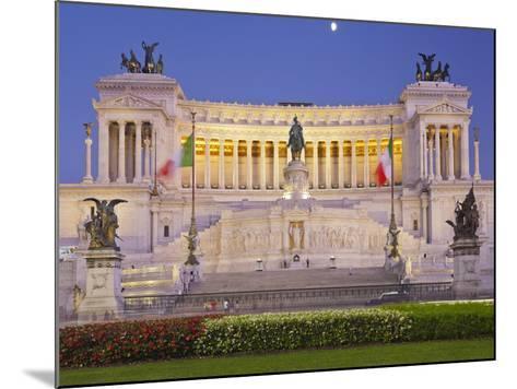 Monumento Vittorio Emanuele Ii, Piazza Venezia, Rome, Lazio, Italy-Rainer Mirau-Mounted Photographic Print