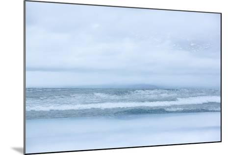 Arctic Waves-Doug Chinnery-Mounted Photographic Print