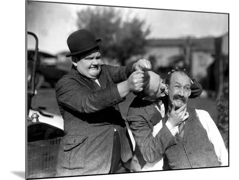 Big Business, Oliver Hardy, Stan Laurel [Laurel and Hardy], James Finlayson, 1929--Mounted Photo
