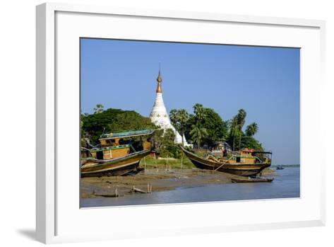Banks of the River Salouen (Thanlwin), Mawlamyine (Moulmein), Myanmar (Burma), Asia-Nathalie Cuvelier-Framed Art Print