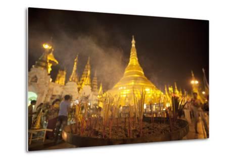 Shwedagon Pagoda, Yangon (Rangoon), Myanmar (Burma), Asia-Colin Brynn-Metal Print