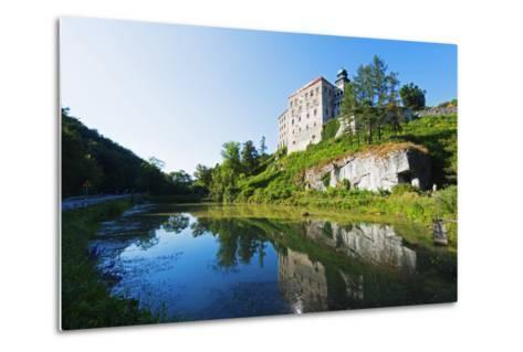 Europe, Poland, Malopolska, Ojcow National Park, Pieskowa Skala Castle-Christian Kober-Metal Print