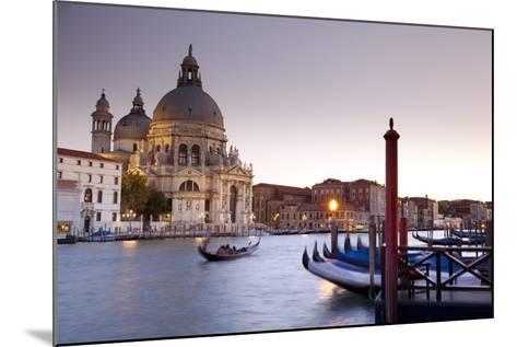 Italy, Veneto-Ken Scicluna-Mounted Photographic Print