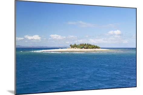 South Seas Island, Mamanuca Islands, Fiji, South Pacific, Pacific-Ian Trower-Mounted Photographic Print