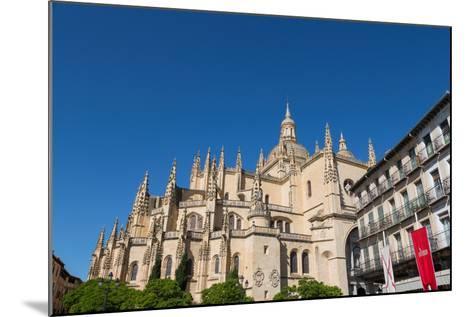 The Imposing Gothic Cathedral of Segovia from Plaza Mayor, Segovia, Castilla Y Leon, Spain, Europe-Martin Child-Mounted Photographic Print