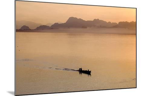 Than Lwyn (Salouen) River, Hpa An, Kayin State (Karen State), Myanmar (Burma), Asia-Nathalie Cuvelier-Mounted Photographic Print