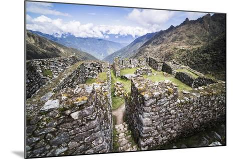 Sayacmarca (Sayaqmarka) Inca Ruins, Inca Trail Trek Day 3, Cusco Region, Peru, South America-Matthew Williams-Ellis-Mounted Photographic Print