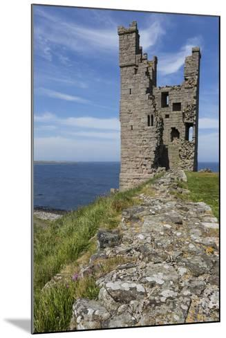 Ruins of Dunstanburgh Castle, Overlooking Embleton Bay, Northumberland, England, United Kingdom-Eleanor Scriven-Mounted Photographic Print