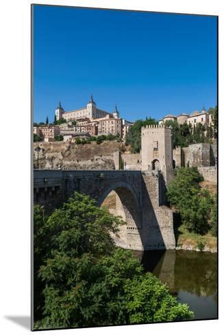 Bridge over the River Tagus with the Alcazar of Toledo Above, Toledo, Castilla La Mancha, Spain-Martin Child-Mounted Photographic Print