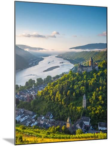 Germany, Rhineland Palatinate, Bacharach and Burg Stahleck (Stahleck Castle), River Rhine-Alan Copson-Mounted Photographic Print