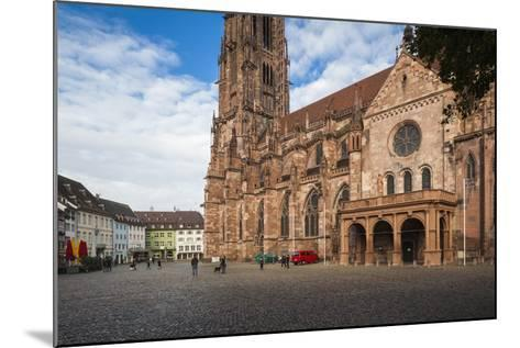 Baden-Wurttemburg, Black Forest, Old Town, 11th Century Munster Cathedral-Walter Bibikow-Mounted Photographic Print