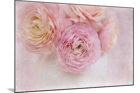 Chique Bouquet-Cora Niele-Mounted Photographic Print