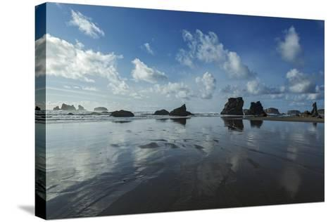 Seascape with Rocks at Bandon Beach in Bandon, Oregon-Macduff Everton-Stretched Canvas Print