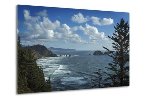 View of Pacific Ocean from Cape Meares State Park-Macduff Everton-Metal Print