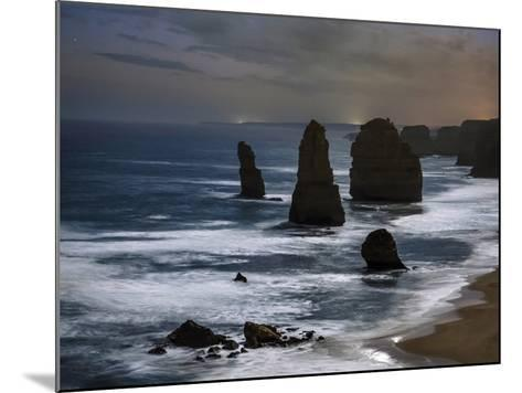 Night Time View of the Twelve Apostles Rocks on the Coast of Victoria, Australia-Babak Tafreshi-Mounted Photographic Print