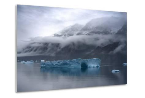 Large Icebergs in Scoresby Sound, Greenland-Raul Touzon-Metal Print