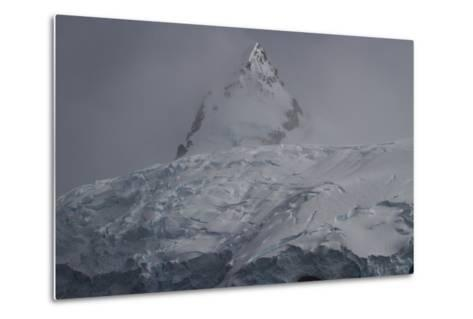 Glacier and Mountain in Cierva Cover-David Griffin-Metal Print