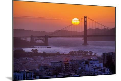 Setting Sun Behind Golden Gate Bridge, Downtown San Francisco-Vincent James-Mounted Photographic Print