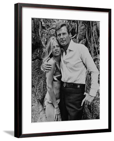 Roger Moore, Britt Ekland, The 007, James Bond: Man with the Golden Gun,1974--Framed Art Print