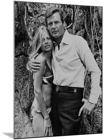 Roger Moore, Britt Ekland, The 007, James Bond: Man with the Golden Gun,1974--Mounted Photographic Print