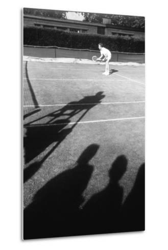 1971 Wimbledon: Tennis Player in Ready Position-Alfred Eisenstaedt-Metal Print
