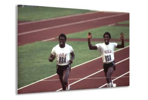 Winners of the 400-Meter Relay Race at the 1972 Summer Olympic Games in Munich, Germany-John Dominis-Metal Print