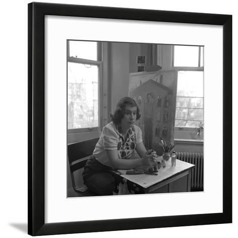 American Artist Honore Desmond Sharrer (1970 - 2009) in Her Studio, February 1950-W^ Eugene Smith-Framed Art Print