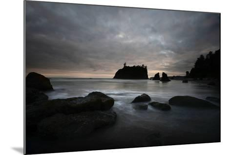 Ruby Beach in the Olympic National Park, Washington-Raul Touzon-Mounted Photographic Print