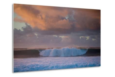 Powerful Waves Crash on the North Shore of Oahu-Ben Horton-Metal Print