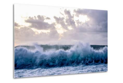 Powerful Waves Crash on the North Shore of Oahu-Ben Horton-Metal Print