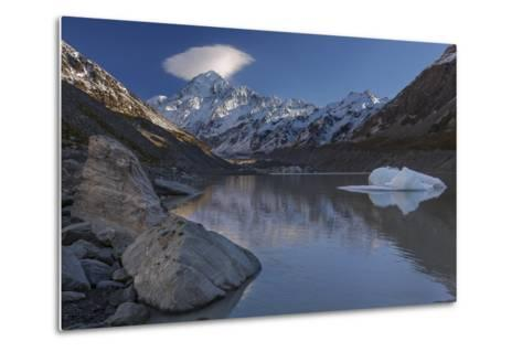Mount Cook - Aoraki (Height 3754M) With Cap Cloud Forming-Andy Trowbridge-Metal Print