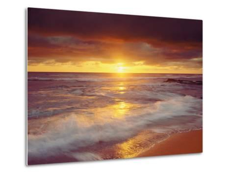 Sunset Cliffs Beach on the Pacific Ocean at Sunset, San Diego, California, USA-Christopher Talbot Frank-Metal Print