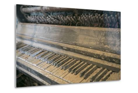 Antique Piano, Ellis Island, New York, New York. Usa-Julien McRoberts-Metal Print