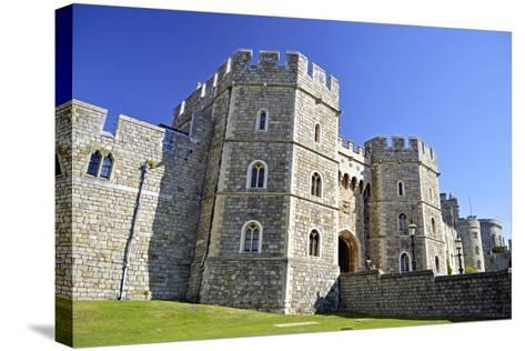 England, Berkshire, Royal Borough of Windsor and Maidenhead. Windsor Castle-Pamela Amedzro-Stretched Canvas Print