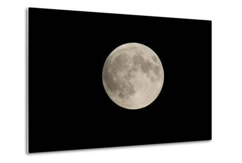 Minnesota, Mendota Heights, Moon before Eclipse, to Blood Moon-Bernard Friel-Metal Print