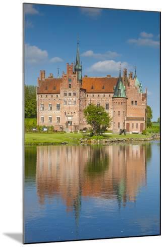 Denmark, Funen, Egeskov, Egeskov Castle, Exterior-Walter Bibikow-Mounted Photographic Print
