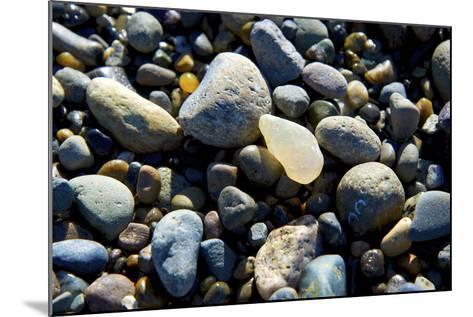 Haida Gwaii Islands, British Columbia. Agates are Found on Many of the Beaches on Graham Island-Richard Wright-Mounted Photographic Print