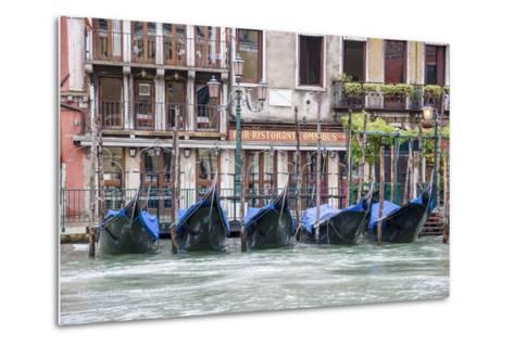 Gondola. Grand Canal. Venice, Italy-Tom Norring-Metal Print
