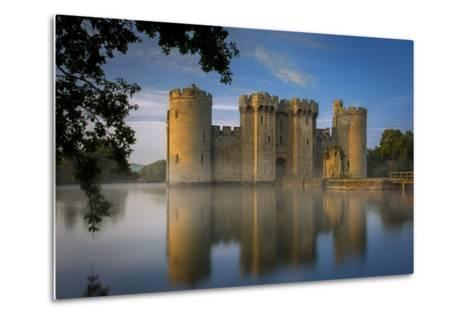 Dawn at Bodiam Castle, Bodiam, Robertsbridge, East Sussex, England-Brian Jannsen-Metal Print