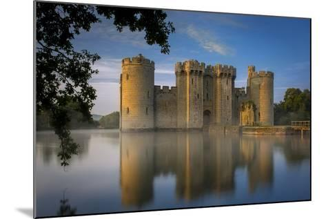 Dawn at Bodiam Castle, Bodiam, Robertsbridge, East Sussex, England-Brian Jannsen-Mounted Photographic Print
